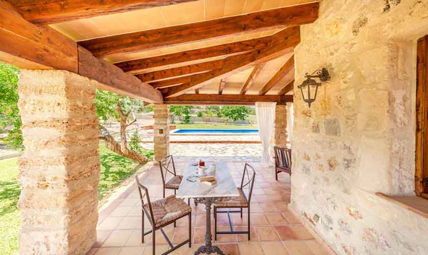 Überdachte Terrasse Finca Mallorca Norden PM 3522