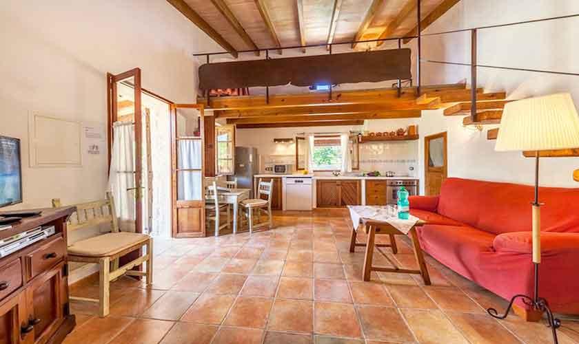 Wohnraum und Küche Finca Mallorca Norden PM 3522