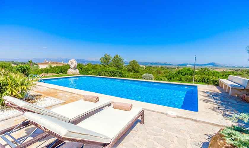 Pool und Liegen Ferienhaus Mallorca Norden PM 3524