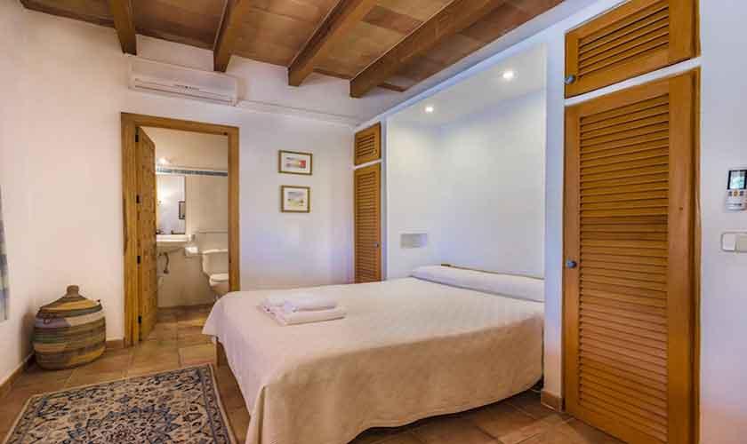Schlafzimmer Finca Mallorca Norden PM 3526