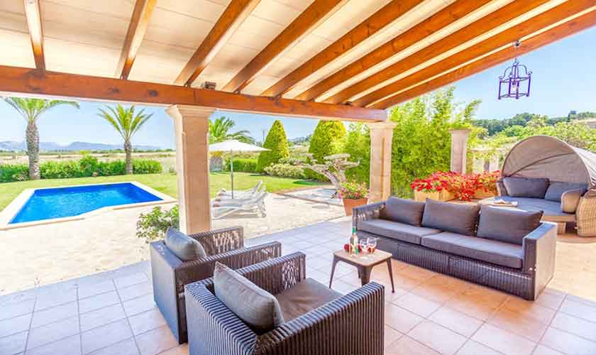 Lounge Sofas Terrasse Finca Mallorca für 8 Personen PM 3527