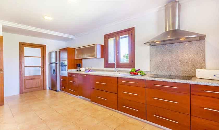 Küche Finca Mallorca für 8 Personen PM 3527