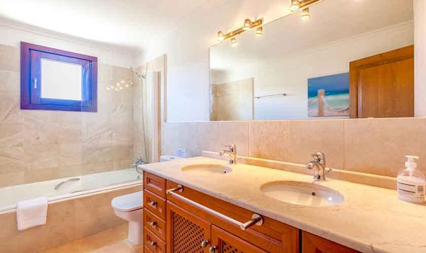 Badezimmer Finca Mallorca für 8 Personen PM 3527