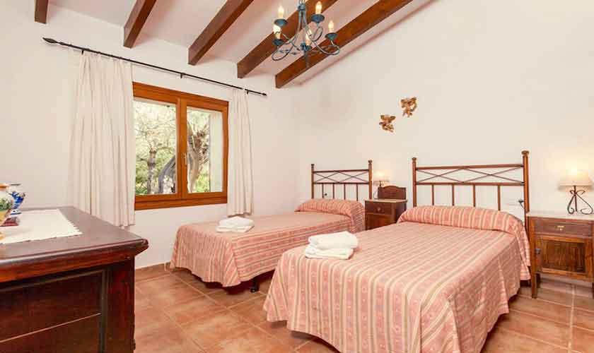 Schlafzimmer Finca Mallorca Norden PM 3528