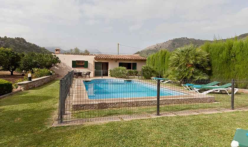 Umzäunter Pool und Garten Mallorca Finca PM 353