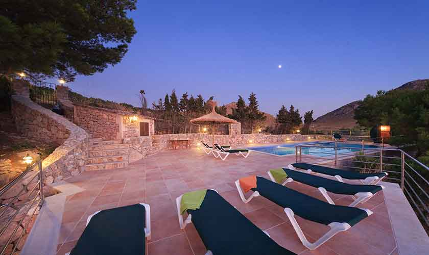 Terrasse und Sonnenuntergang Ferienvilla Mallorca PM 3532