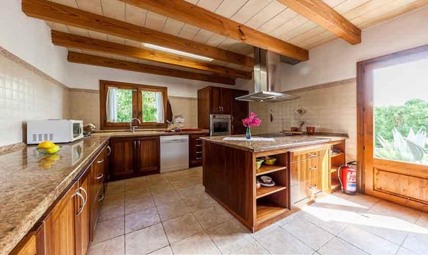 Küche Finca Mallorca für 8 Personen PM 3534