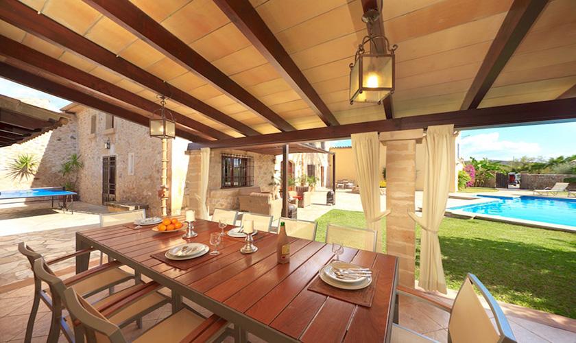 Terrasse und Esstisch Finca Mallorca PM 3535