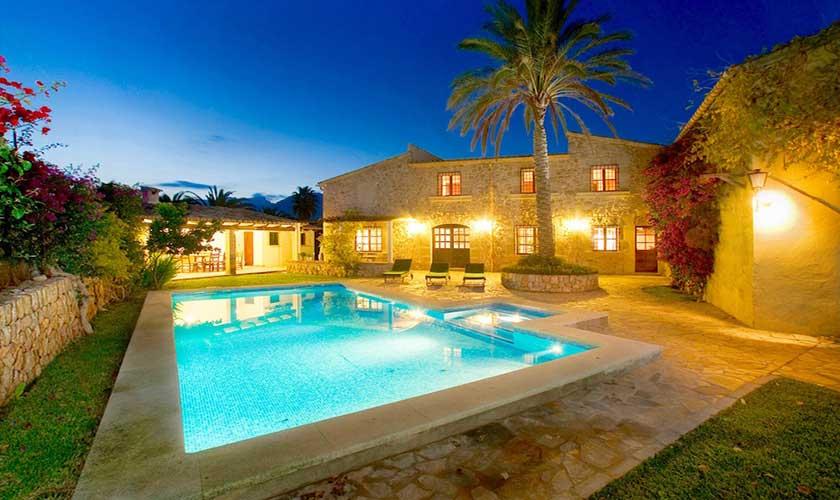 Pool und Finca Mallorca PM 3535 bei Nacht
