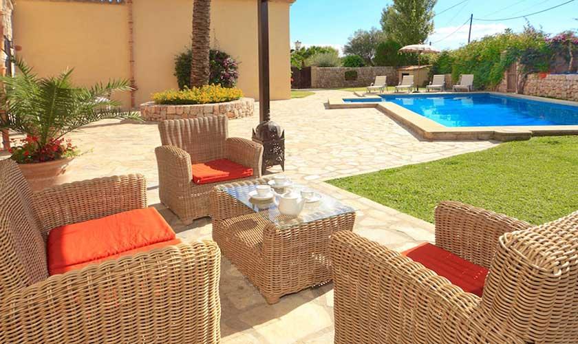 Loungesessel und Pool Finca Mallorca PM 3535
