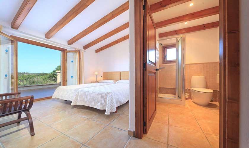 Schlafzimmer Bad en suite Finca Mallorca Pollensa PM 3536
