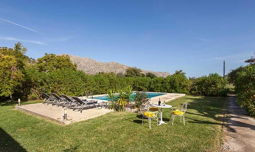 Pool und Rasen Finca Mallorca bei Pollensa PM 3537