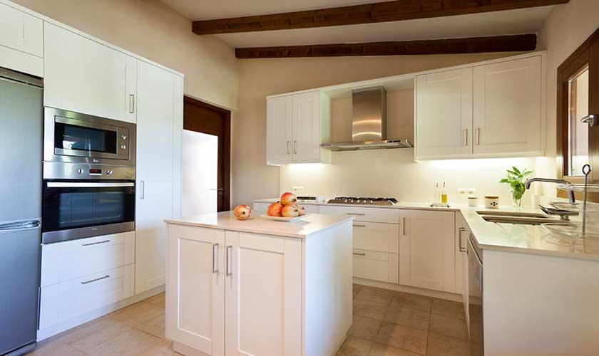 Küche Finca Mallorca bei Pollensa PM 3537