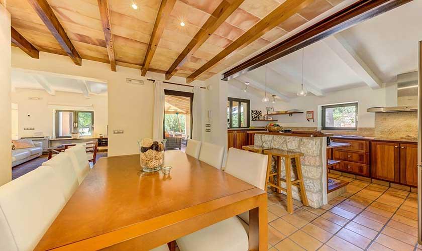 Esstisch und Küche Finca Mallorca PM 3538