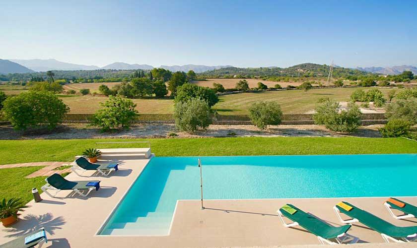 Poolblick und Landschaft Ferienvilla Mallorca PM 3540
