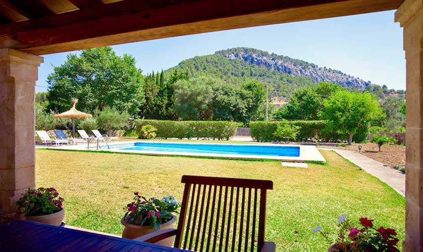 Blick in den Garten Finca Mallorca 4 Personen PM 3543