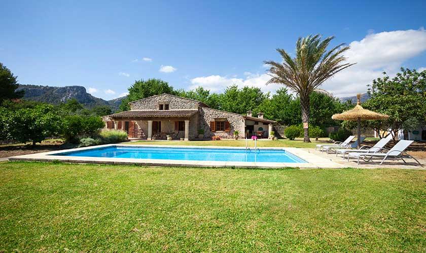 Pool und Rasen Finca Mallorca 4 Personen PM 3543