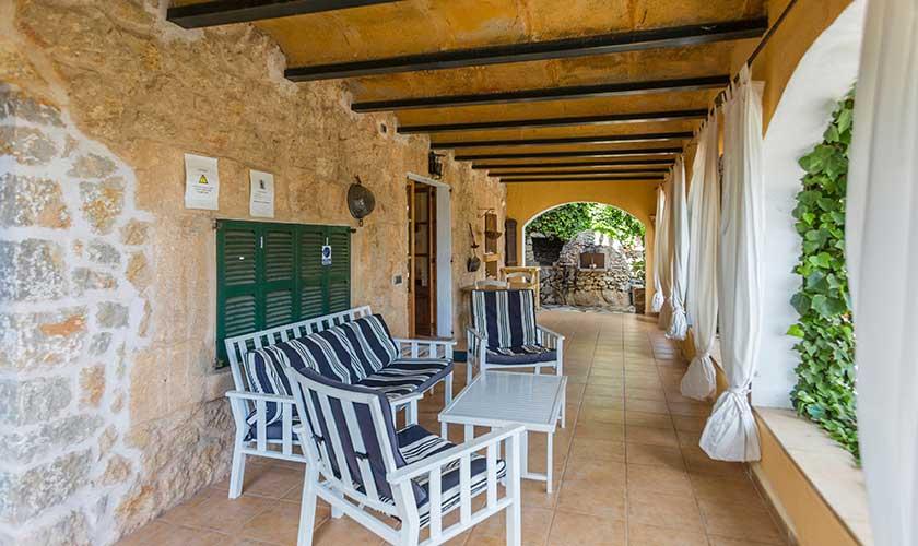 Überdachte Terrasse Ferienhaus Mallorca Pollensa PM 3544