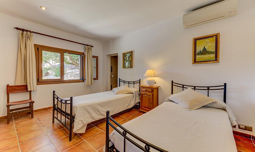 Schlafzimmer Ferienvilla Mallorca PM 3545