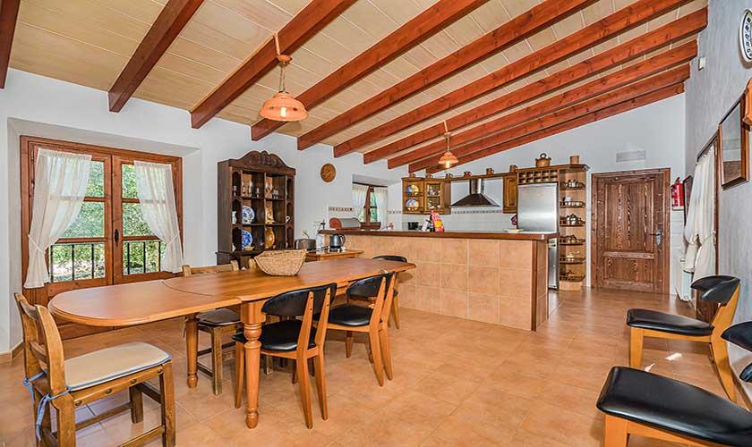 Esstisch und Küche Finca Mallorca PM 3565