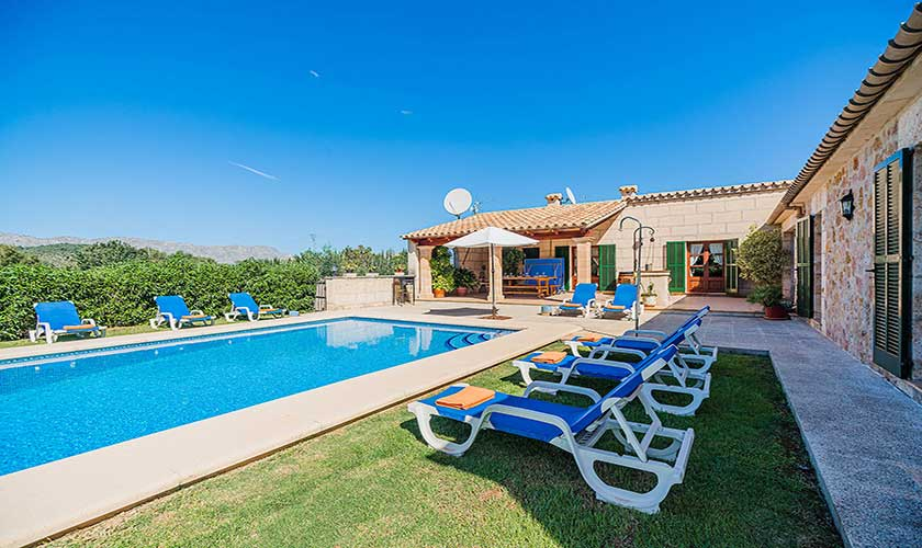 Pool und Liegen Finca Mallorca PM 3565