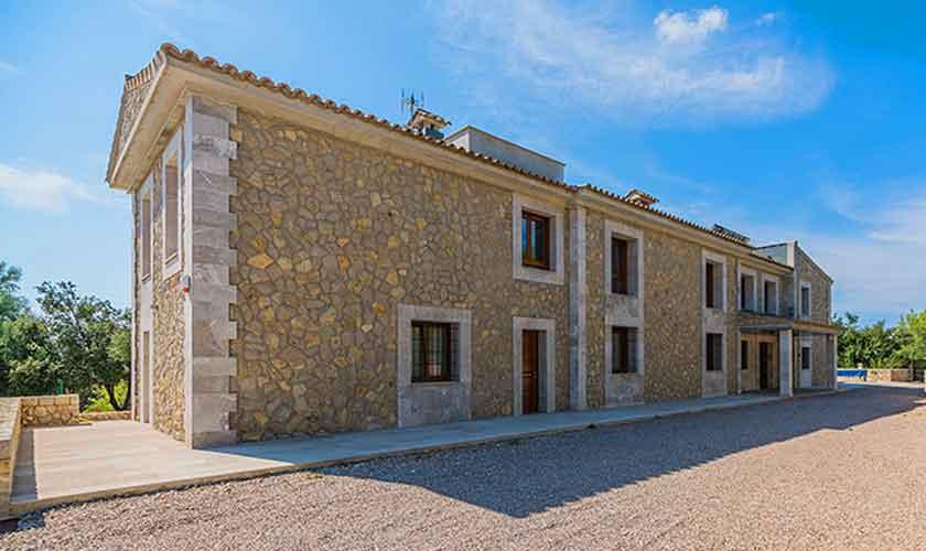 Blick auf die Villa Mallorca 12 Personen PM 3601