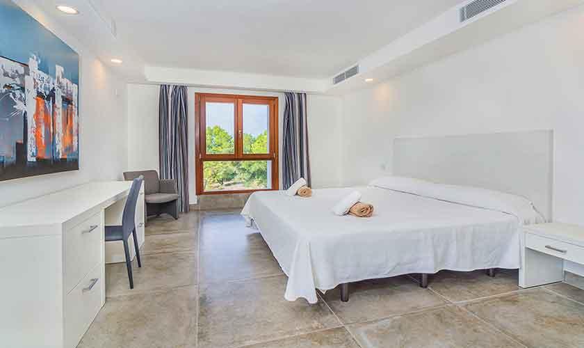 Schlafzimmer Villa Mallorca 12 Personen PM 3601