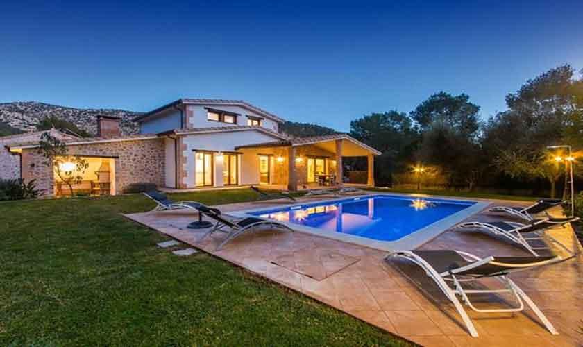 Pool beleuchtet Ferienhaus Mallorca Norden PM 3650