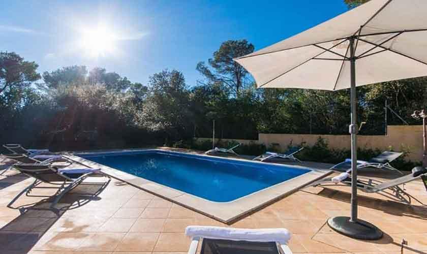 Pool und Terrasse Ferienhaus Mallorca Norden PM 3650