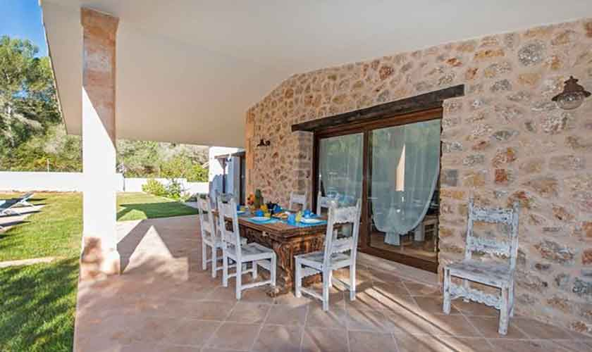 Überdachte Terrasse Ferienhaus Mallorca Norden PM 3650