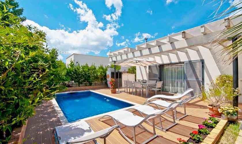 Poolblick und Ferienhaus Mallorca Alcudia PM 3651