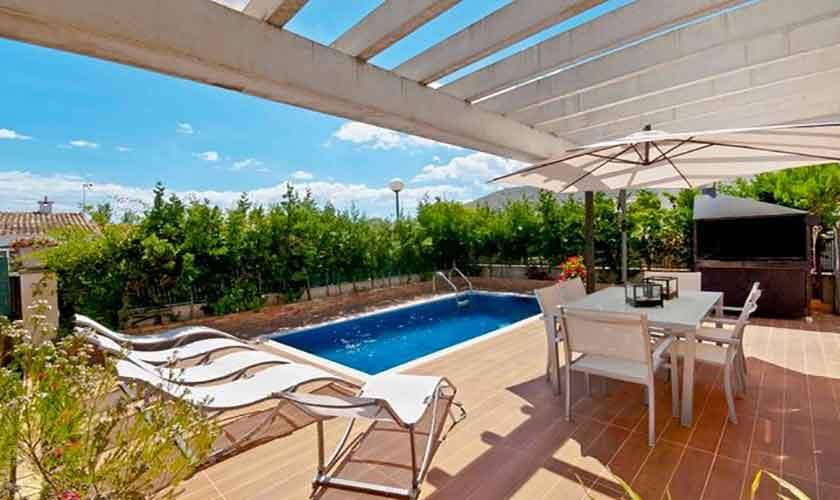 Pool und Terrasse Ferienhaus Mallorca Alcudia PM 3651