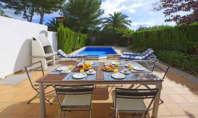 Pool und Terrasse Ferienhaus Mallorca Alcudia PM 3654