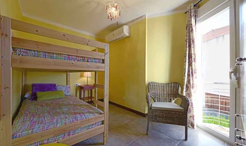 Schlafzimmer Etagenbett Ferienhaus Mallorca Alcudia PM 3654