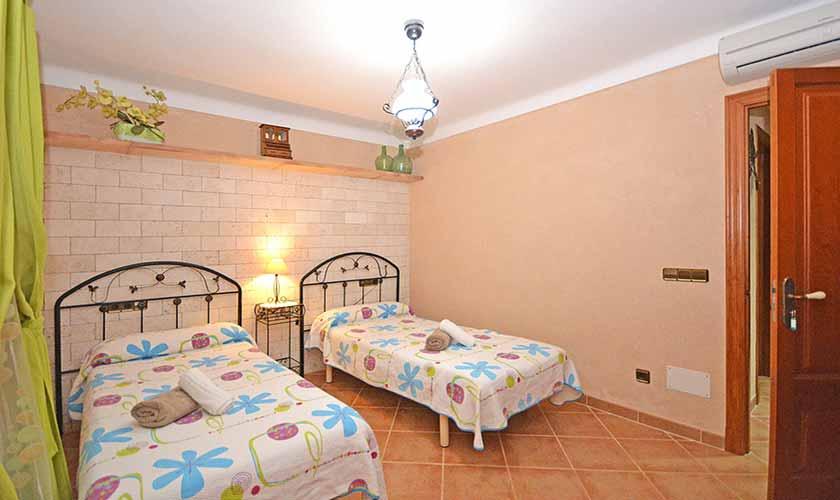 Schlafzimmer Finca Mallorca Norden PM 3712