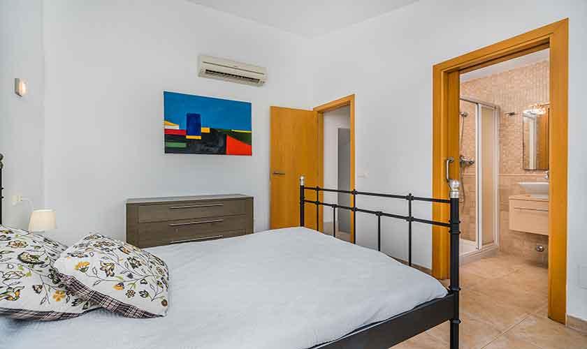 Schlafzimmer Ferienhaus Mallorca Bonaire PM 3725