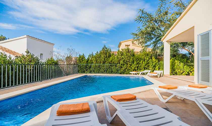Pool und Terrasse Ferienhaus Mallorca Bonaire PM 3725