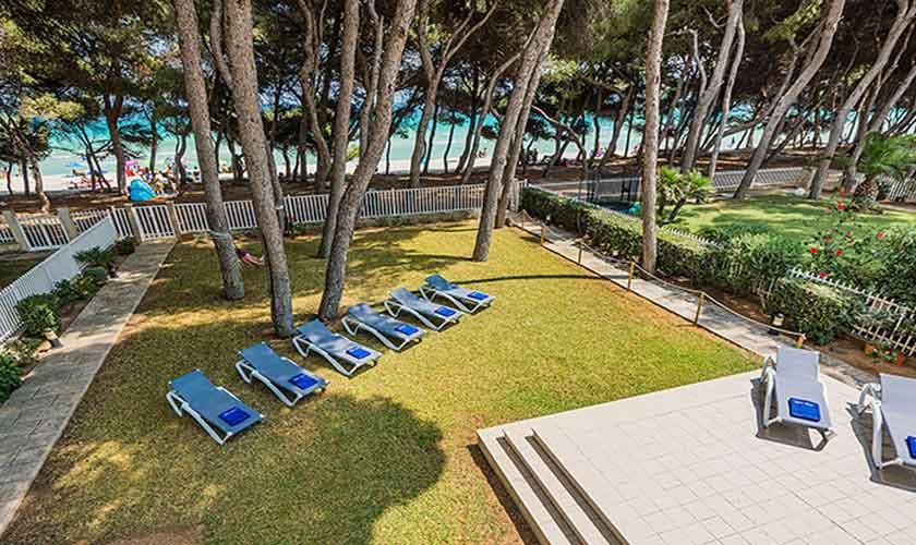 Rasen und Pinien Strandhaus Mallorca PM 3742