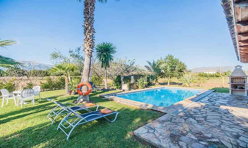 Pool und Rasen Finca Mallorca Norden PM 3522