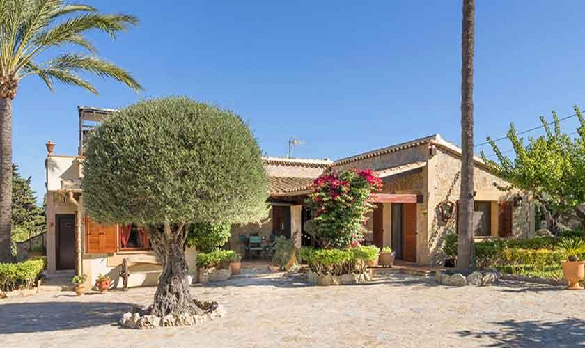 Blick auf die Finca Mallorca 6 Personen PM 3765