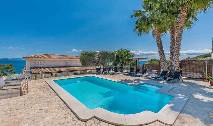 Pool und Meerblick Ferienvilla Mallorca PM 3802