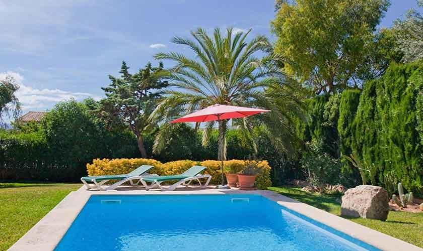 Pool und Garten Ferienhaus Mallorca PM 3806