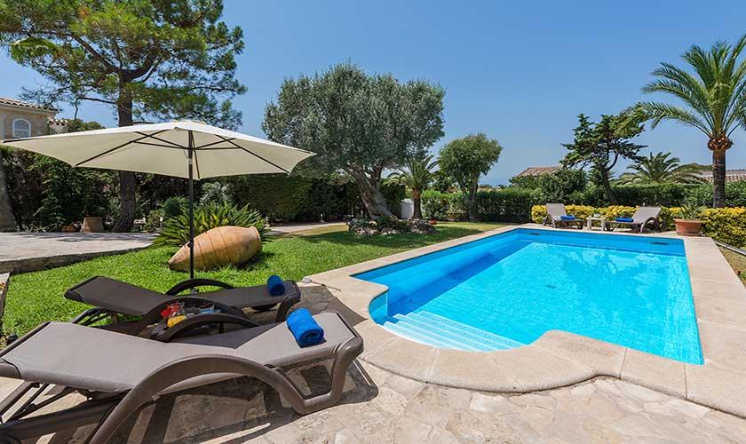 Pool und Liegen Ferienhaus Mallorca Bonaire PM 3806