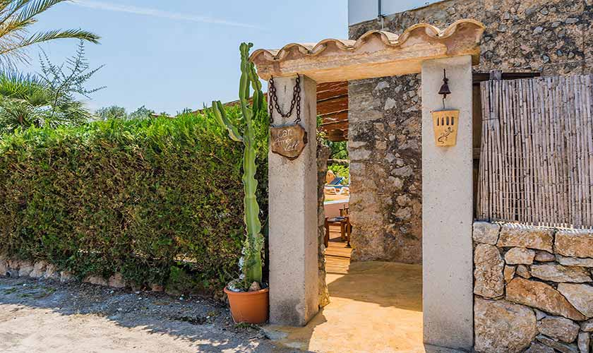 Eingangstor Finca Mallorca bei Pollensa PM 3818