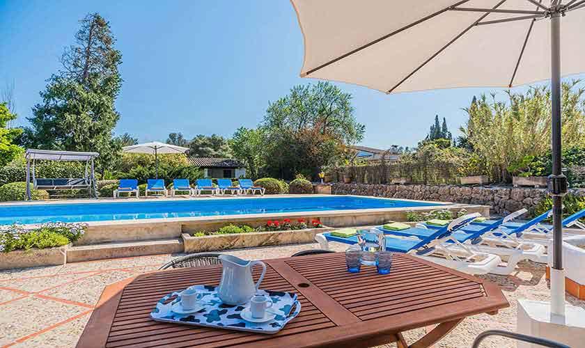 Pool und Terrasse Finca Mallorca Norden PM 3820