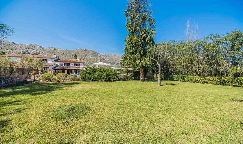 Rasenflächen Ferienfinca Mallorca PM 3820