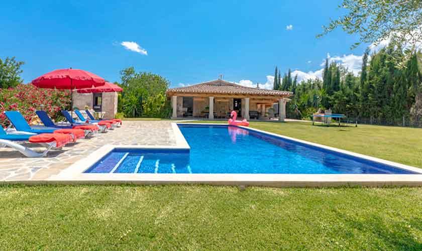 Poolblick und Finca Mallorca bei Pollensa PM 3837