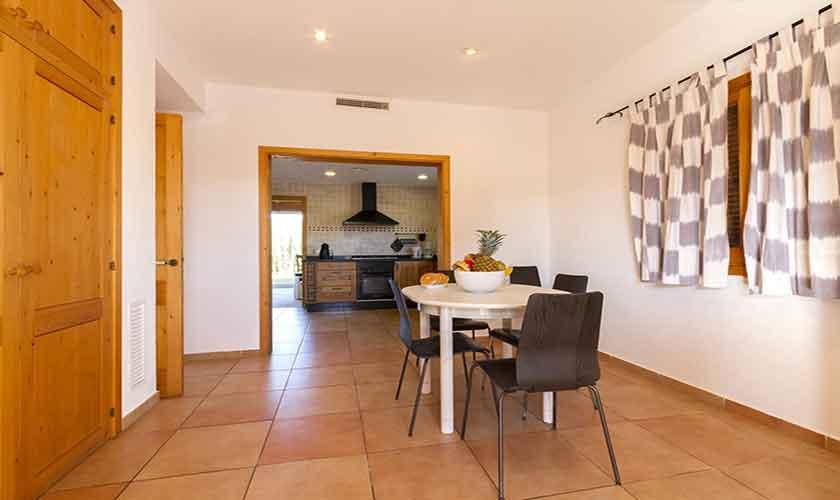 Kleiner Tisch Finca Mallorca Norden PM 3841
