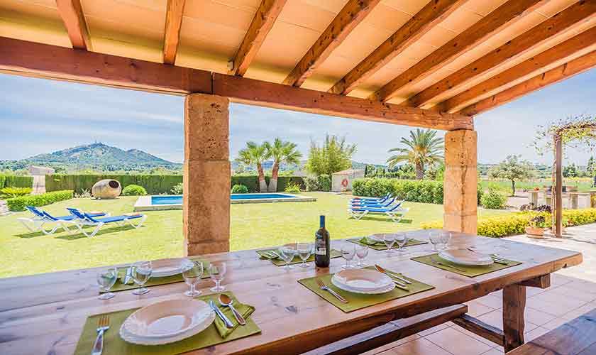 Terrasse mit Esstisch Finca Mallorca Norden PM 3858
