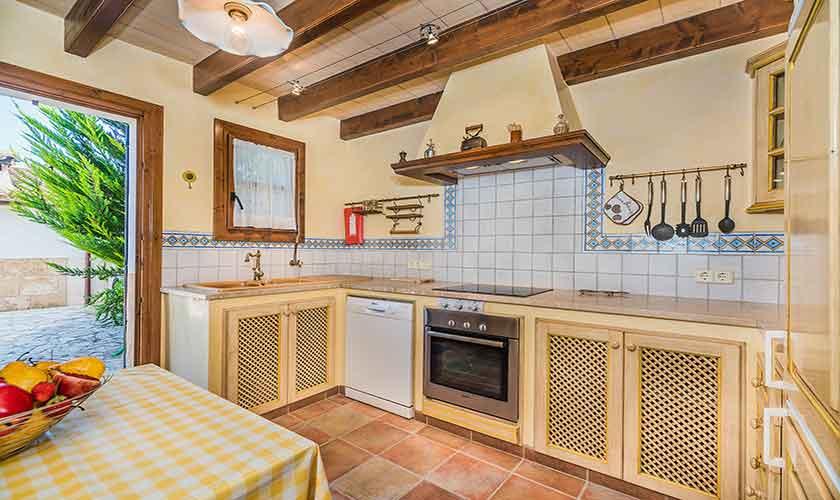 Küche Finca Mallorca Norden 10 Personen PM 3868